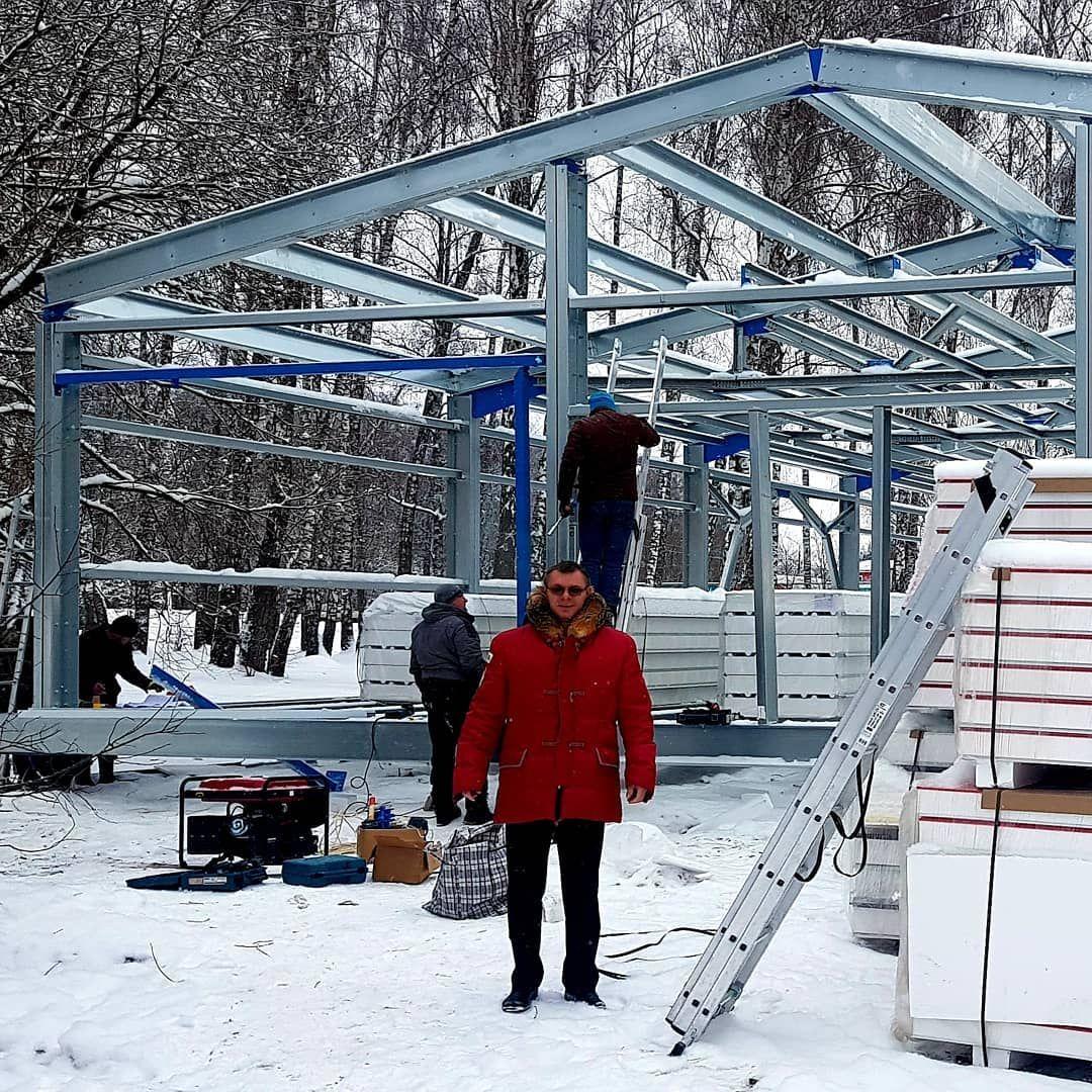 В Вороново идет монтаж лыжного модуля
